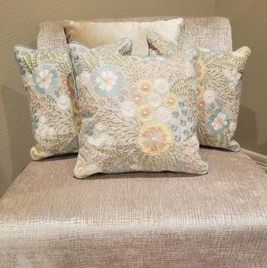 Small Decor Pillows